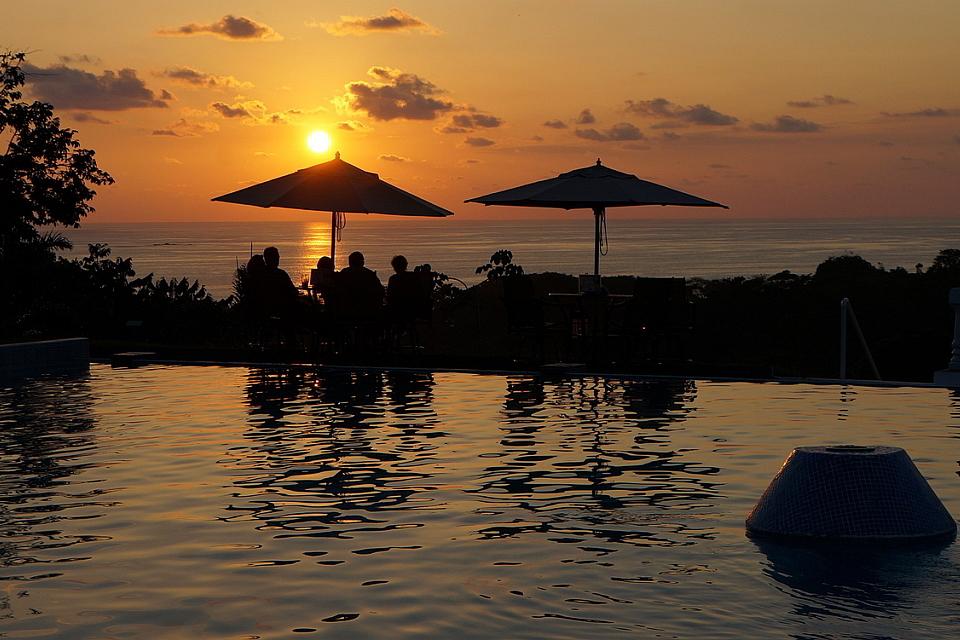 Cristal-Ballena-Sunset, birders paradise