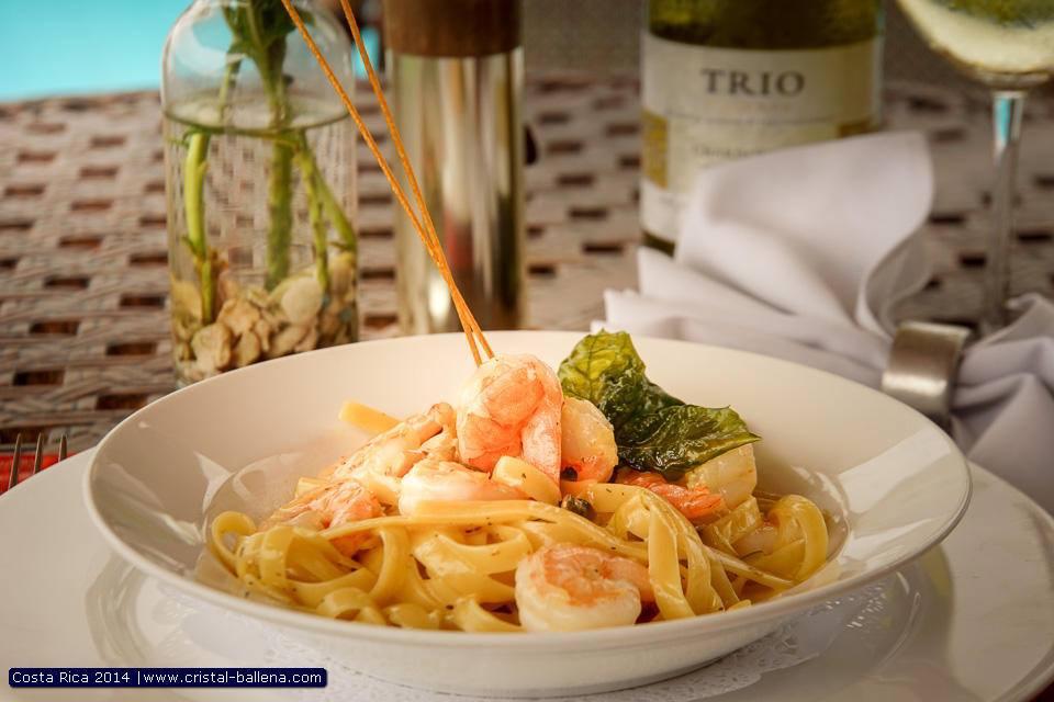 Pura Vida Restaurant, Cristal Ballena Boutique Hotel,