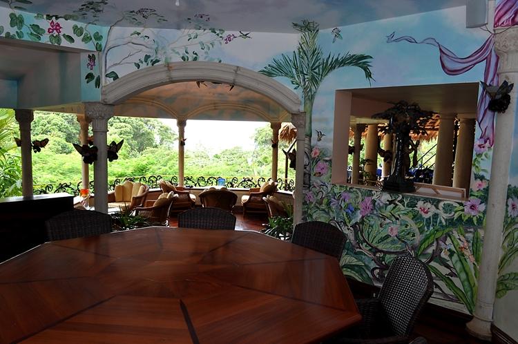 hotel-cuna-del-angel-dominical-ballenatales-pool-restaurant-17