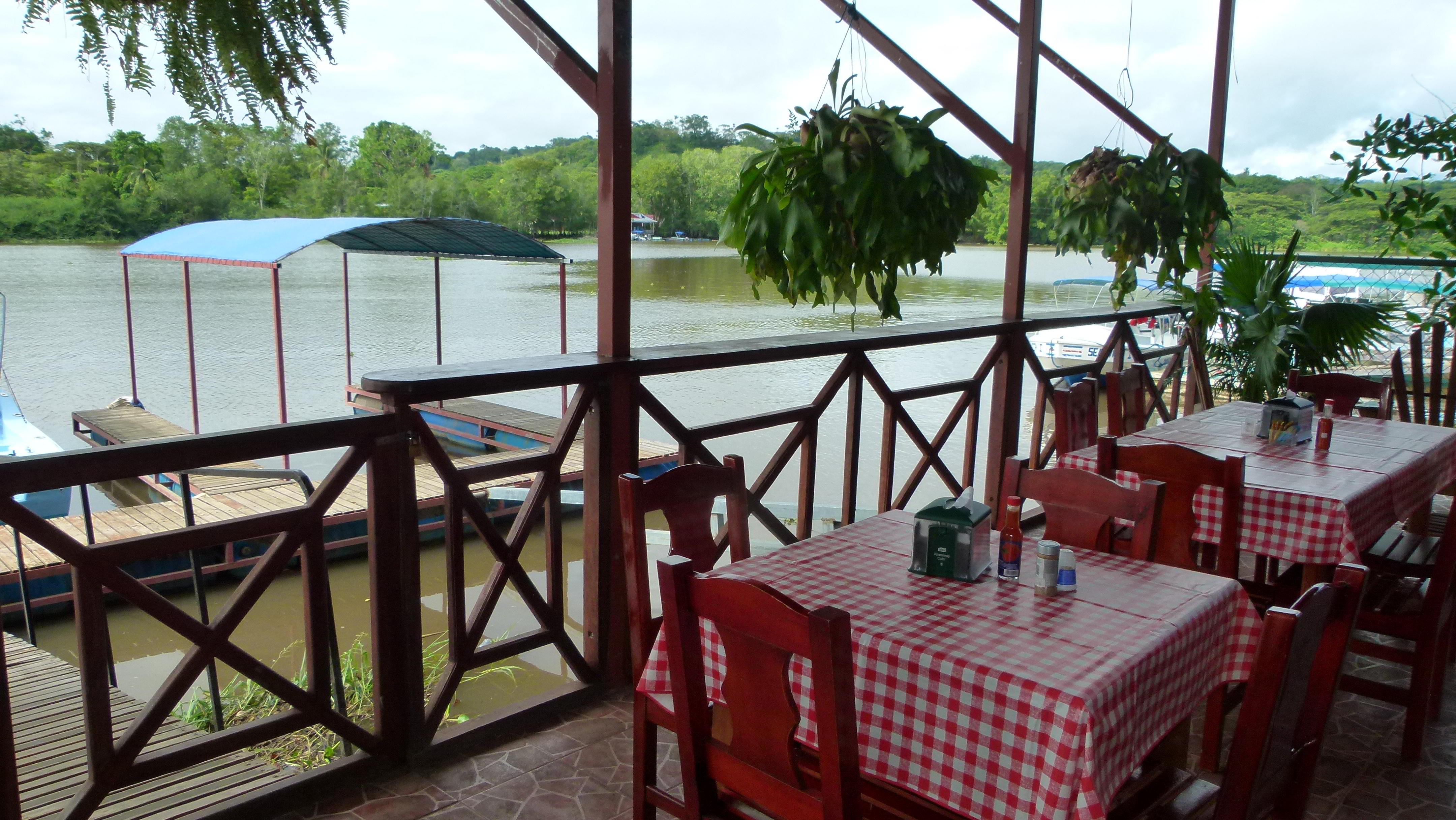 kokomana-restaurant-sierpe-kokopelli-bar-tour-mangrove-osa-enjoy-puravida