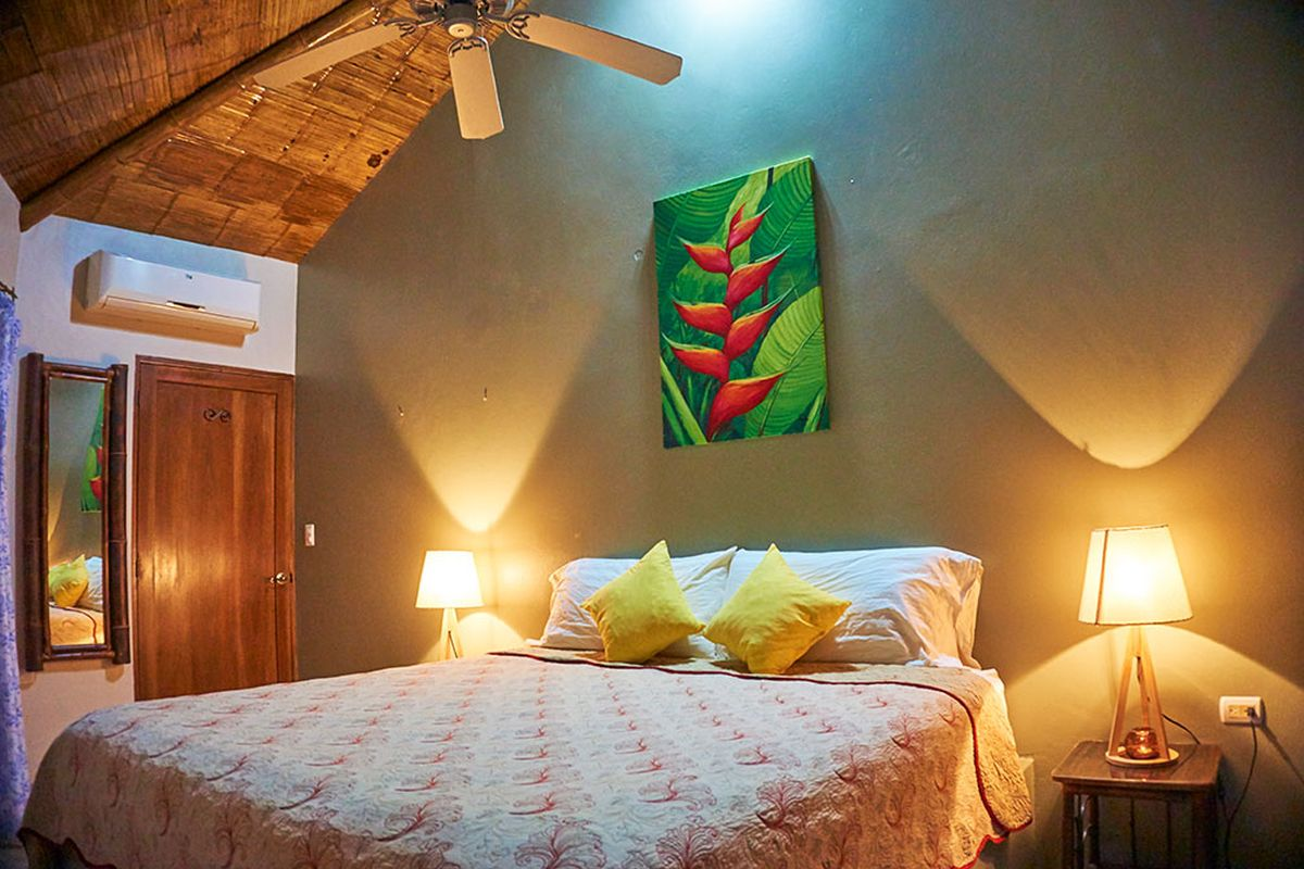 Manoas, Luxury Camping, Uvita Hotel, Costa Rica, casa heliconia (4)