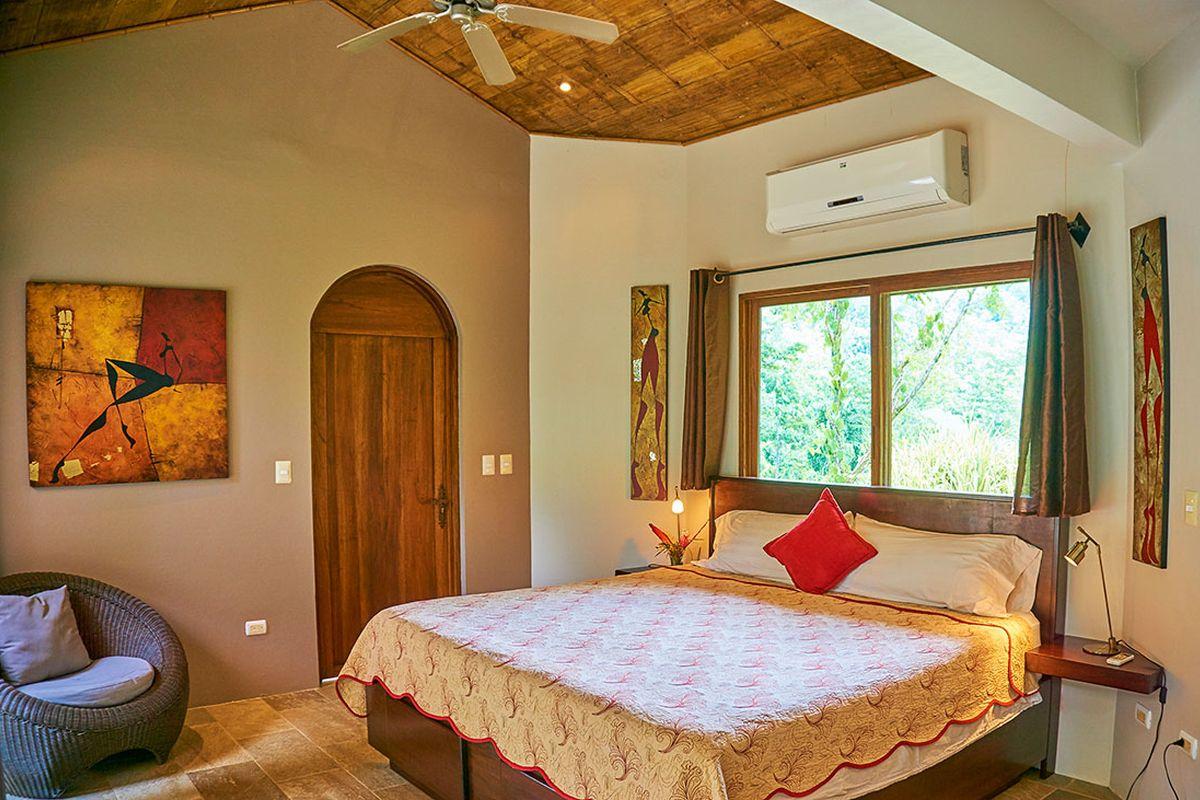 Manoas, Luxury Camping, Uvita Hotel, Costa Rica, casa rio (3)