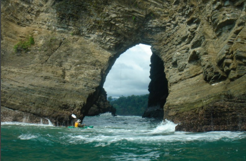 Pineapple-Tours-ventanas-caves-waves-3
