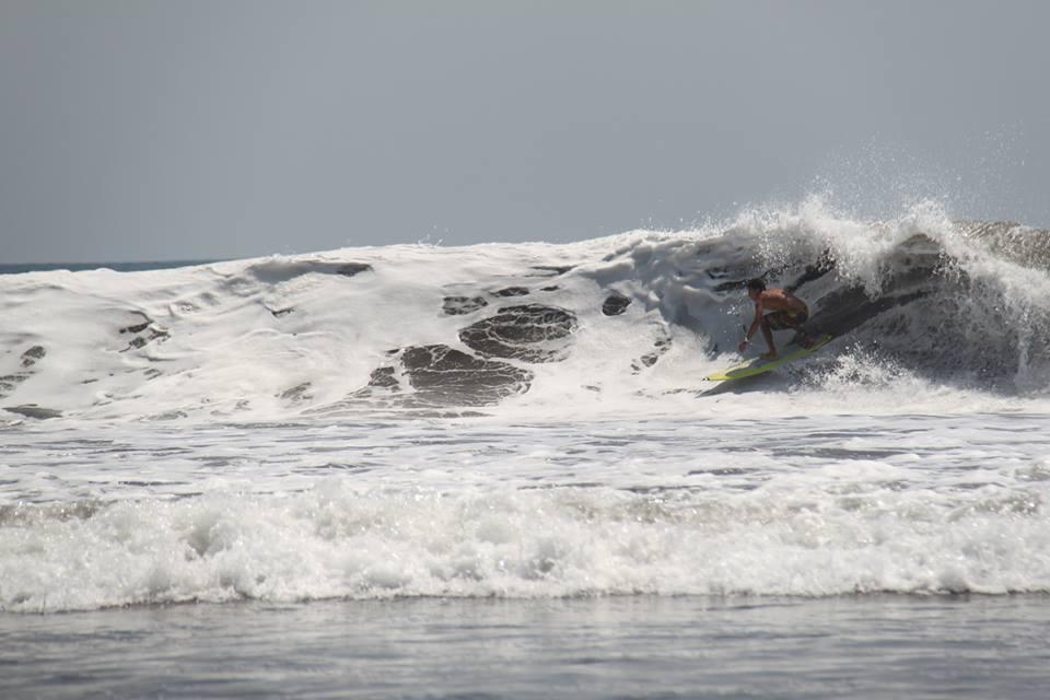 ballenatales-surf-hermosa-torneo-contest-uvita-puravida-ballena-uvita
