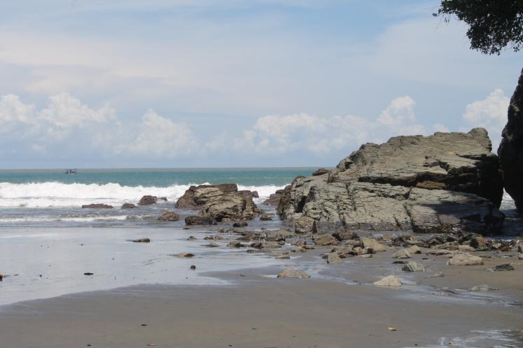 Playa-Ventanas-costaballenalovers-ballenatales-magazine-issue38-6
