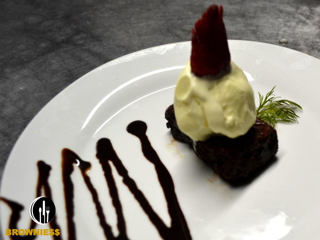 Brownies-catering-service-private-chef-costaballenalovers-puravida-travel-tourism-events