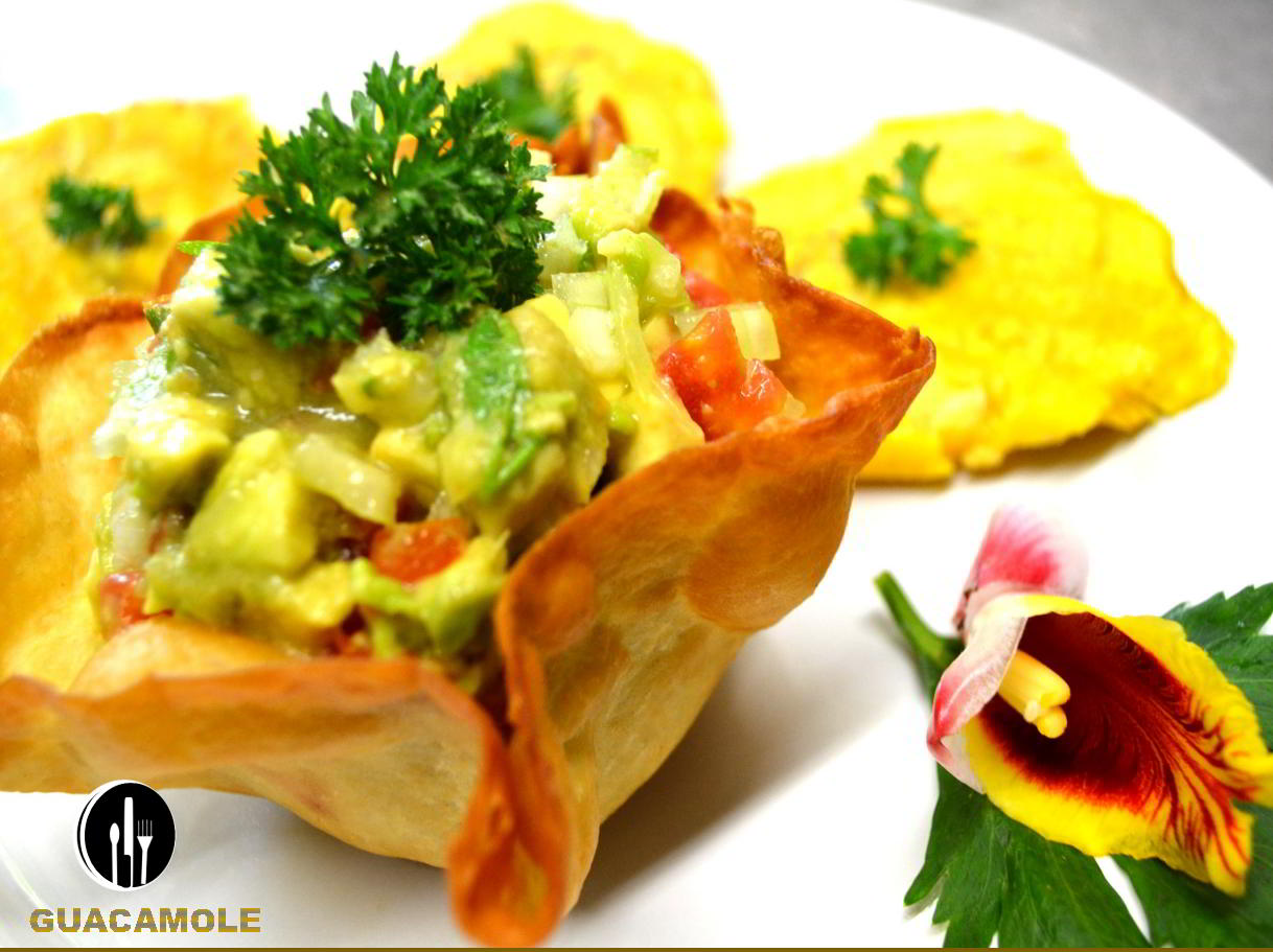 Guacamole-catering-service-private-chef-costaballenalovers-puravida-travel-tourism-events