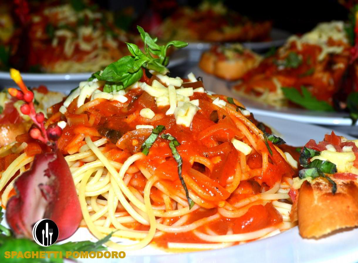 Spaghetti-Pomodoro-catering-service-private-chef-costaballenalovers-puravida-travel-tourism-events
