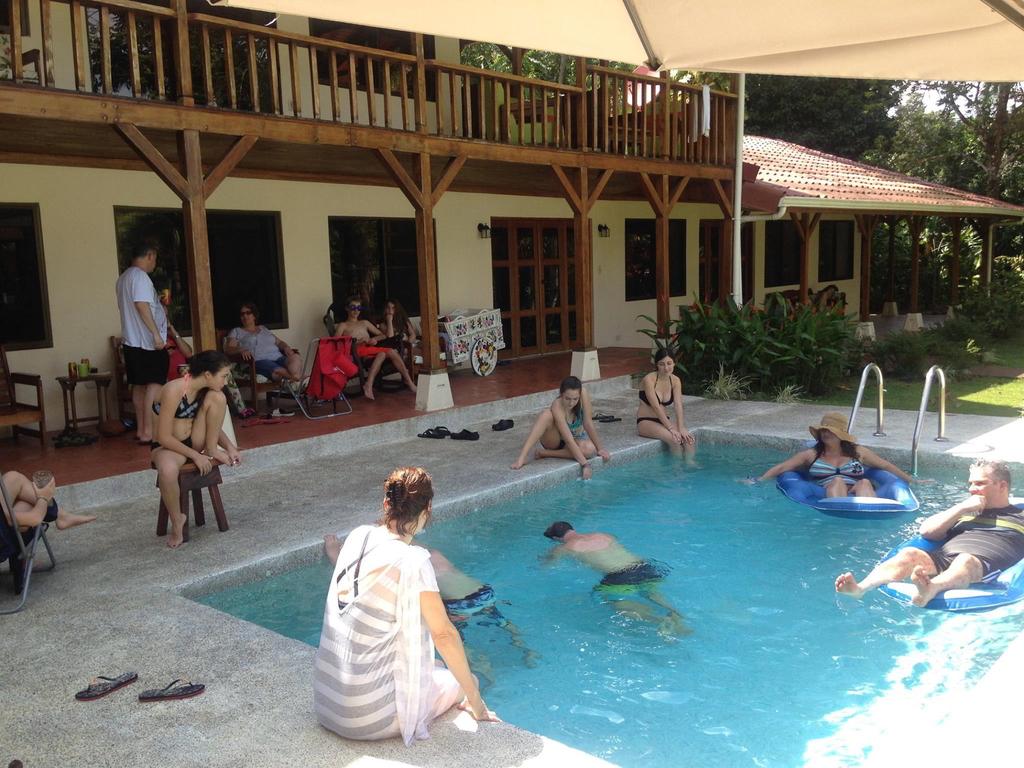 Whale Resort7