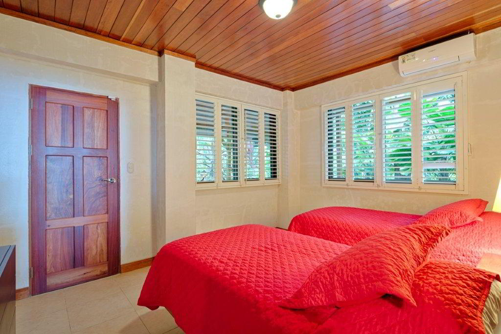 whale-resort-osa-peninsula-puravida-costaballenalovers-villas-for-rent-beachfront-tour-room-2