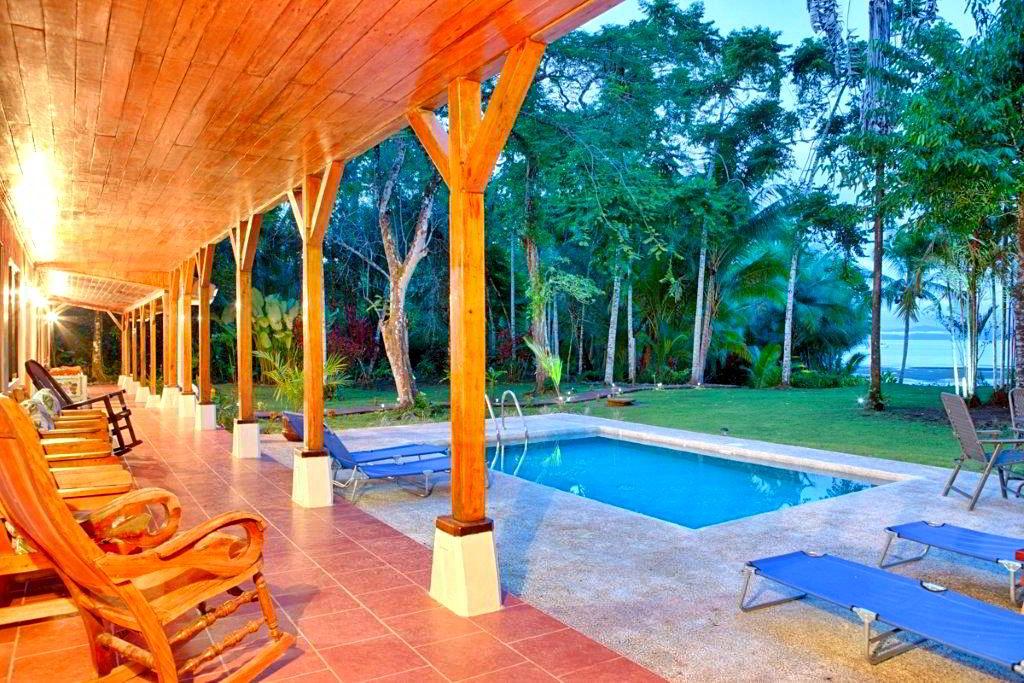 whale-resort-osa-peninsula-puravida-costaballenalovers-villas-for-rent-beachfront-tour-room-villa-pool-2