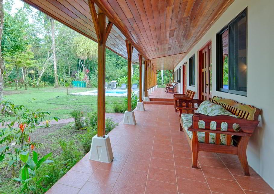 whale-resort-osa-peninsula-puravida-costaballenalovers-villas-for-rent-beachfront-tour-room-villa-pool