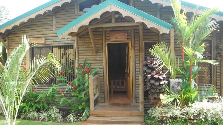 whales-beach-ventanas-windows-costaballenalovers-ballenatales-villas-bungalows-ballena-rooms-3