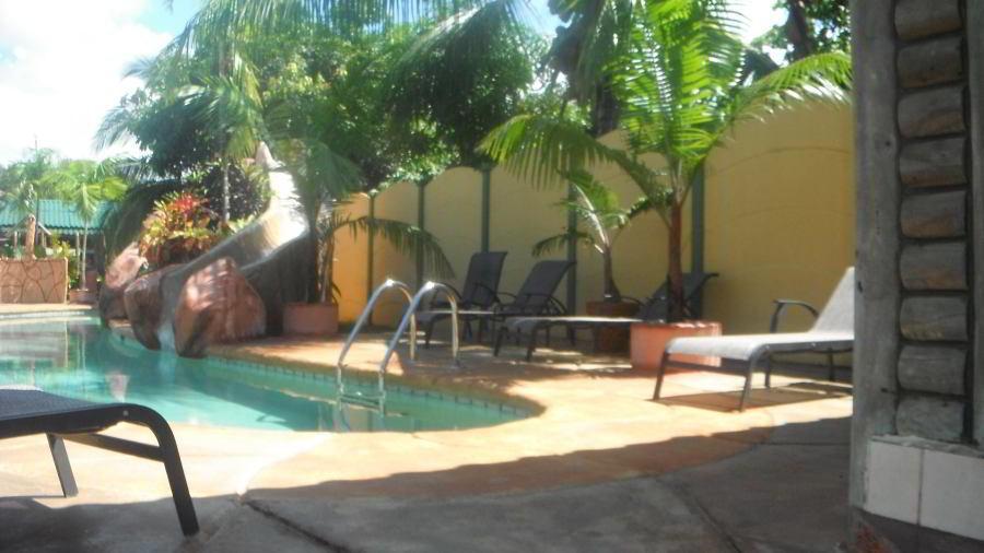 whales-beach-ventanas-windows-costaballenalovers-ballenatales-villas-bungalows-ballena-rooms-pool-2