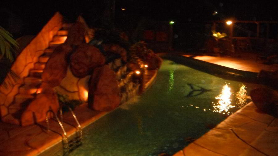 whales-beach-ventanas-windows-costaballenalovers-ballenatales-villas-bungalows-ballena-rooms-pool-3