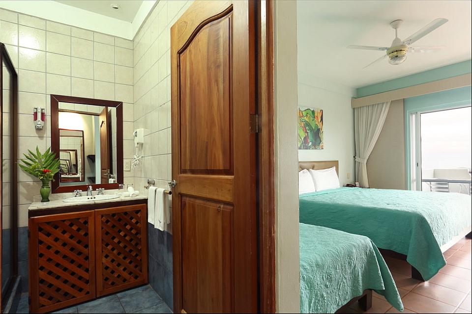 Vista Ballena Hotel . rooms, habitaciones y baño