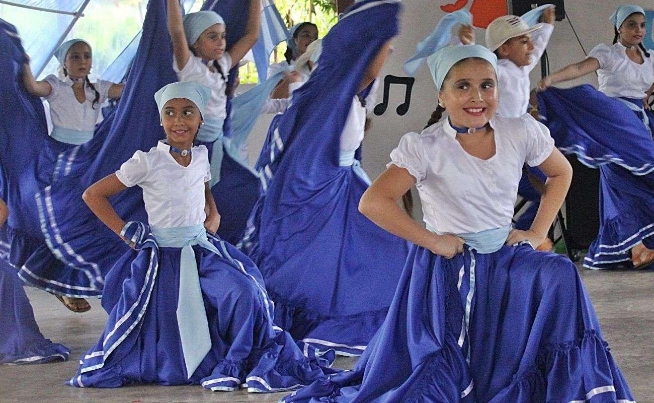 Festival de las artes, Escuela Uvita